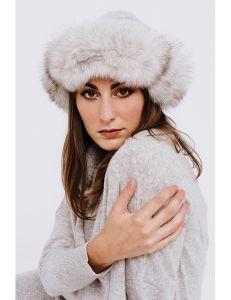 Cappellino con bordo in pelliccia